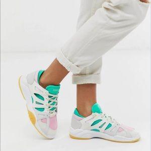 NWT adidas originals torsion sneakers size 9